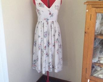 Size 14, vintage floral Tea length