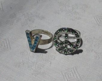 Lot Of Retro Blue Green Rhinestone Adjustable Metal Rings Peace Sign Initial V