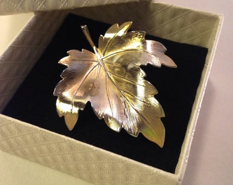 Vintage gold leaf brooch c1970s