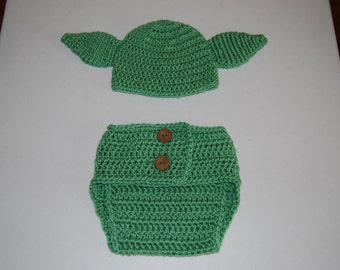 Baby Yoda diaper cover and hat set