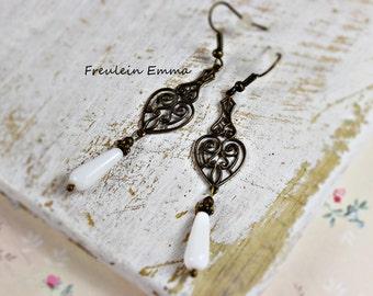 Earrings vintage heart drops white bronze