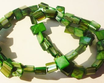 D-04502- 1 Strand Mother of pearl chip beads ca. 45 pieces