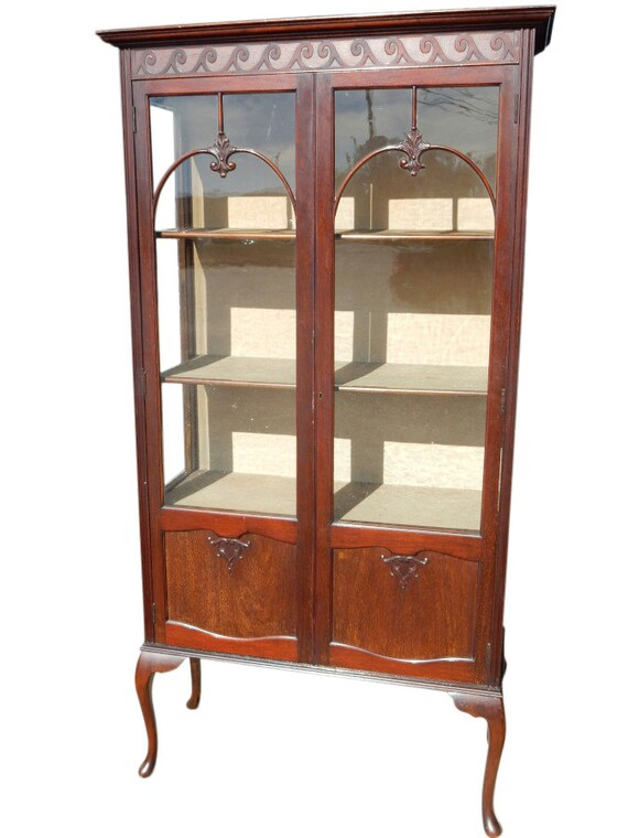 Antique English Queen Anne Style Display Curio By