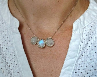 Necklace in 925 sterling silver natural Moonstone. Jewel to the hook made in France. Gift for her. Woman 30 years 40 years 50 years. Boho mode