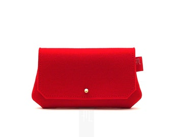 Red multipurpose clutch in soft felt, bridal showergift idea.