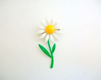 Daisy Brooch, Daisy Pin, White Daisy Brooch, White Daisy Pin, Flower Brooch, Flower Pin, White Daisy, Enamel Daisy Pin, Enamel Daisy Brooch