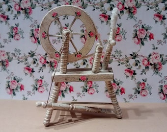 Dolls House 12th scale Spinning Wheel