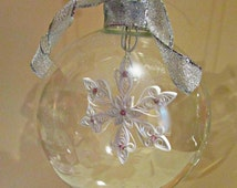 Personalized Christmas Ornament / Glass Ornament / Quilled Snowflake / White/ Pink/ Glass Etched Ornaments