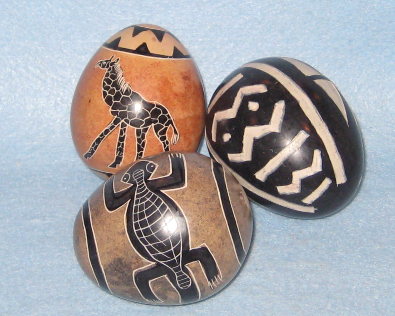 Soapstone decorative eggs made in kenya home decor for Home decor kenya