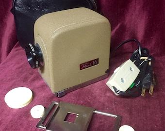 Vintage Slide Projector - Minolta Mini 16