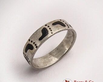 SaLe! sALe! Enameled Footprint Ring Sterling Silver