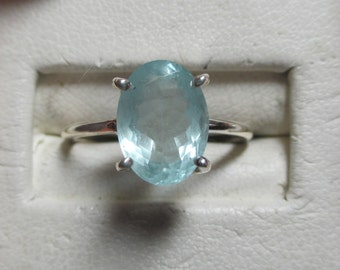 Ladies 4ct genuine aquamarine sterling silver solitaire