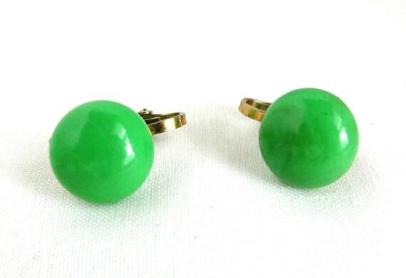 Hong kong clip on earrings