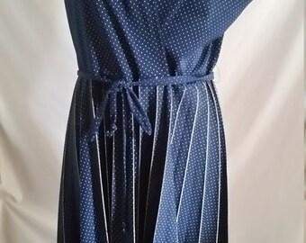 Arc Sydney navy blue and white polka dot polyester pleated dress size 16