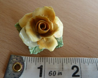 Vintage 1950s porcelain Yellow rose brooch.