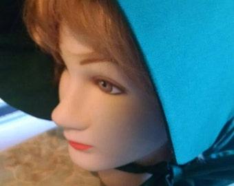 Free shipping..Green ladies sunbonnet prairie hat. Reenactment costume.