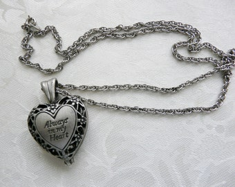Lovely Pewter Loved One Ashes Remembrance Heart Locket Necklace