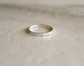 single sterling silver hammered texture stacking ring