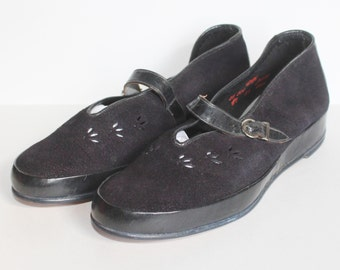 1940's CC41 Wartime Navy Blue Leather and Suede Wedge Shoes - Wedges - Vintage - UK Size 3.5