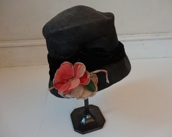 1920's Cloche Hat. Blush Rose.