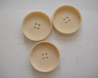 3 Large Round Buttons - Coat Buttons - in Cream