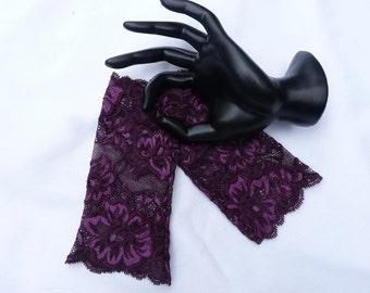 Purple stretch lace fingerless lace gloves