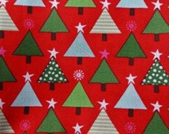 Moda - Tannenbaum - Berry - Design #27122-11 - Cotton Woven Fabric