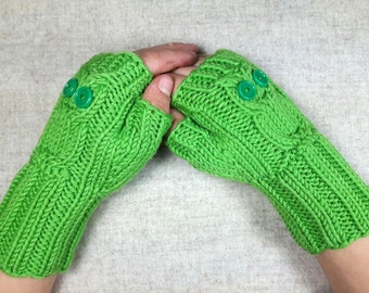 Owls Fingerless Gloves for Kids 4 to 6 Years light green, handknitted Wrist Warmers, Mittens