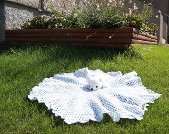 Heptagon Crocheted Baby Blanket - White, Pink, Blue and Green