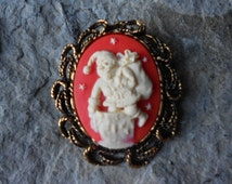 2 in 1- CHRISTMAS Cameo Antique Gold Plated Brooch/Pin/Pendant - Santa Going Down Chimney, Great Quality!!! Holiday, Unique