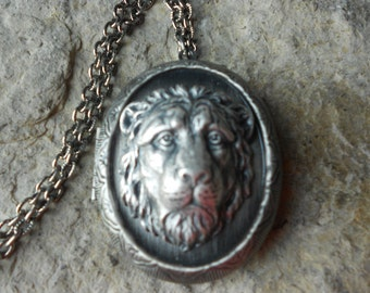 Lion's Head Antiqued Silver Plated Locket!!! High Quality!!! Lion, Africa, African, Photos, Keepsakes