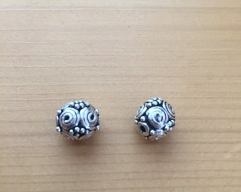 Bali silver handmade round coil with beads 8mm  Per 2