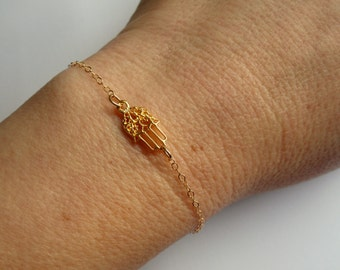 Gold Hamsa bracelet, Hamsa bracelet, Hamsa hand bracelet, Amulet bracelet, Gifts, Hamza hand bracelet, Hamza jewelry
