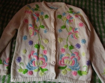 Beautiful Vintage 1980's Cream Colorful Knit Floral Cardigan