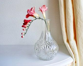 Vintage Mid Century Glass Decanter Vase With Flower Starburst Design