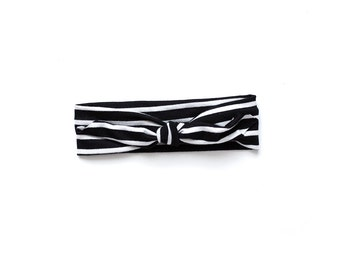 Black and white stripe knotted headband