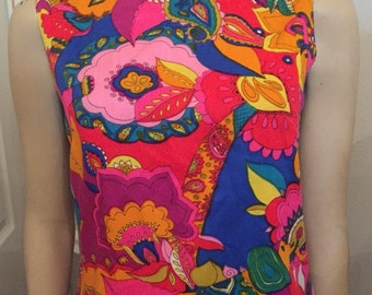 Vintage 70's psychedelic sleeveless multicolor top / Size small Medium / mod fit