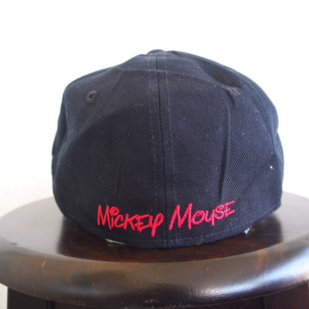 MICKEY MOUSE Snapback Cap Vintage 90s Embroidery Mickey Black Hat Adjustable  Baseball Hat Snapback Walt Disney 6ee57ff7e8a6