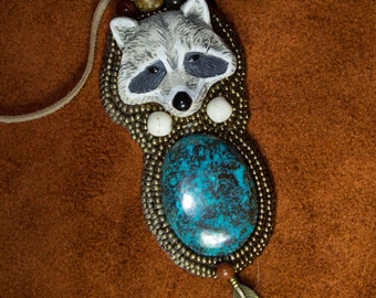 "Pendant Necklace Native American totem animal ""Arakum"""