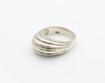 Heavy Sterling SIlver High Dome Ridged Ring Sz 7 Chunky and Well Made. [6527]