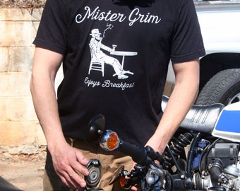 Mister Grim: Mister Grim Enjoys His Breakfast Short Sleeve T-Shirt