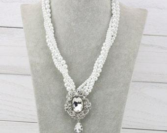 Pearl pendant necklace,bridal pearl broach necklace,rhinestone flower brooch necklace,bridesmaid pearl necklace,vintage wedding necklace