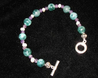 Green jade, amethyst, fresh water pearl and silver bead toggle clasp bracelet