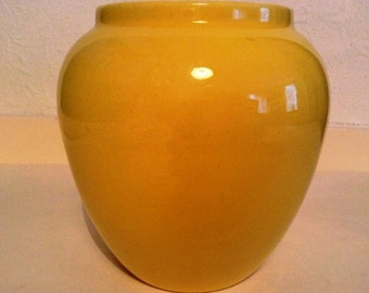 Vintage 1960s yellow ceramic vase 13 cm