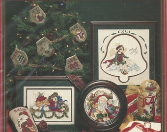 Stoney Creek:  Christmas Memories Cross Stitch Booklet 175