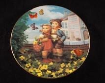 """SURPRISE Hummel Plate   8.5"""", Collector's Plate, Vintage, Little Companions"""