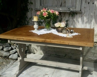 Shabby Chic Farmhouse Style Excended Dinning Table in Annie Sloan