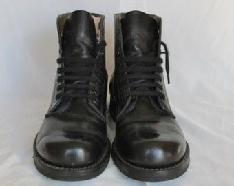 HH BROWN Black Combat Boots, Mens 7, Womens 9, Ankle Boots, Army Boots, Marching or Parade Boots, Made in Canada, Dead Stock Like New