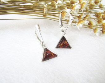 Triangle Poland Baltic Amber Earrings, Baltic Amber, Simple but Cool Honey Amber Earrings, Inclusion Fossil, Sterling Silver Earrings