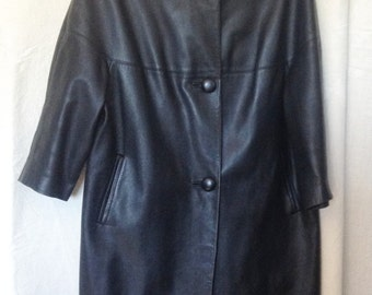 Vintage black leather coat, years 50 / 60, T 42 / 44.